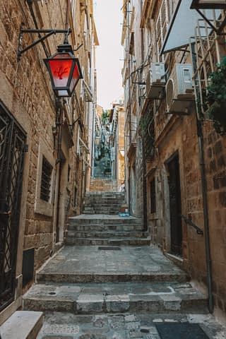 A street with steps. What to do in Dubrovnik