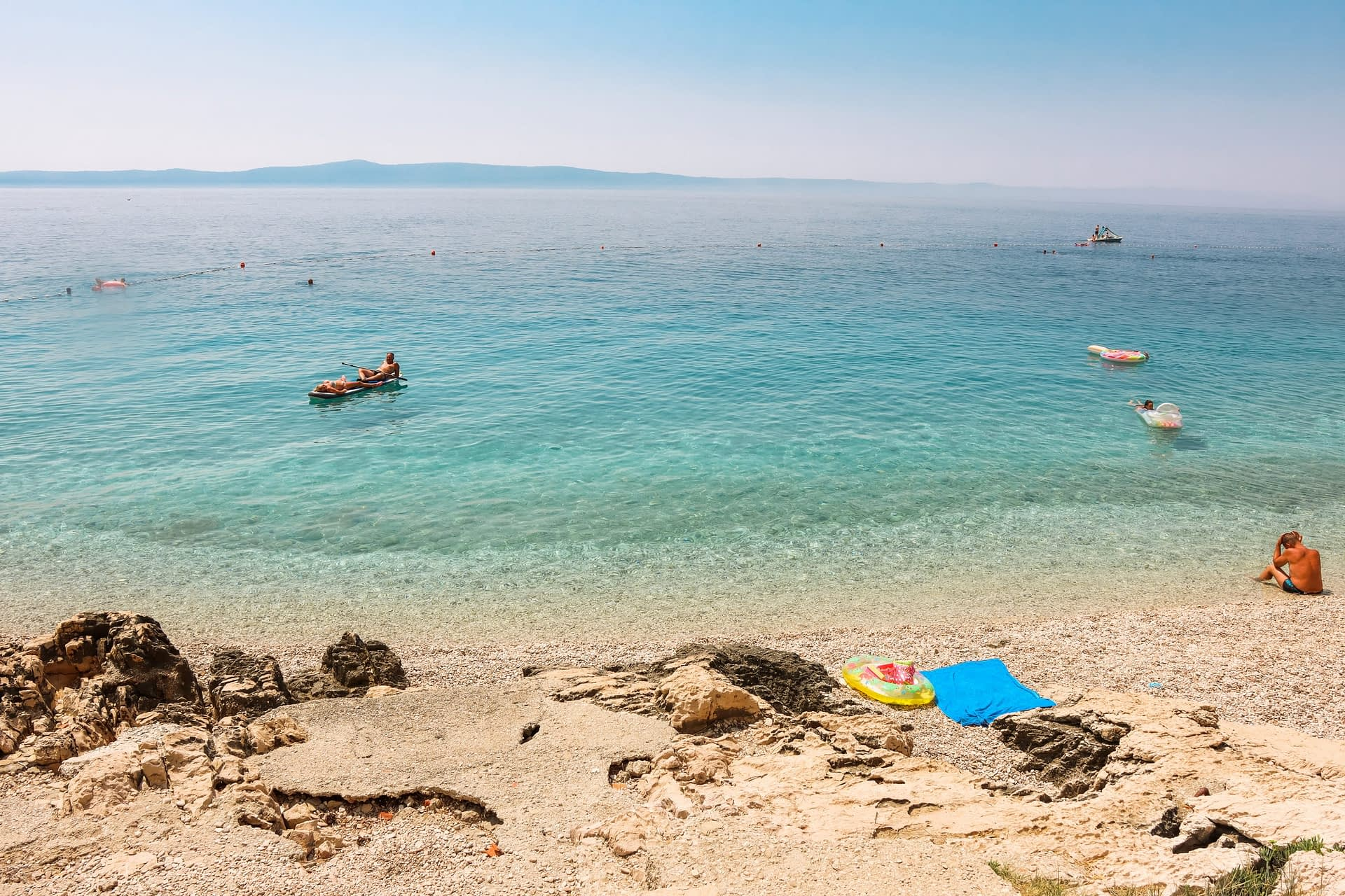 Clear blue water at Tucepi beach. Your guide to the croatian riviera