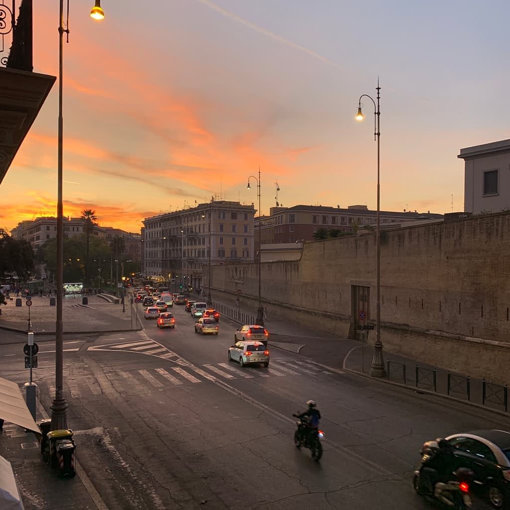 The sunrise in Rome. Where to stay in 3 days in Rome.