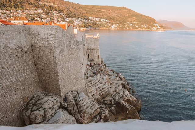 Buza bar on the edge of a cliff in Dubrovnik