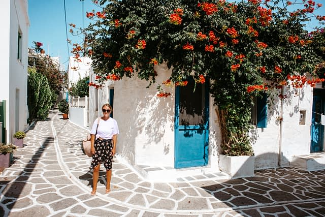 Marpissa alleyways with flowers. Things to do in Paros
