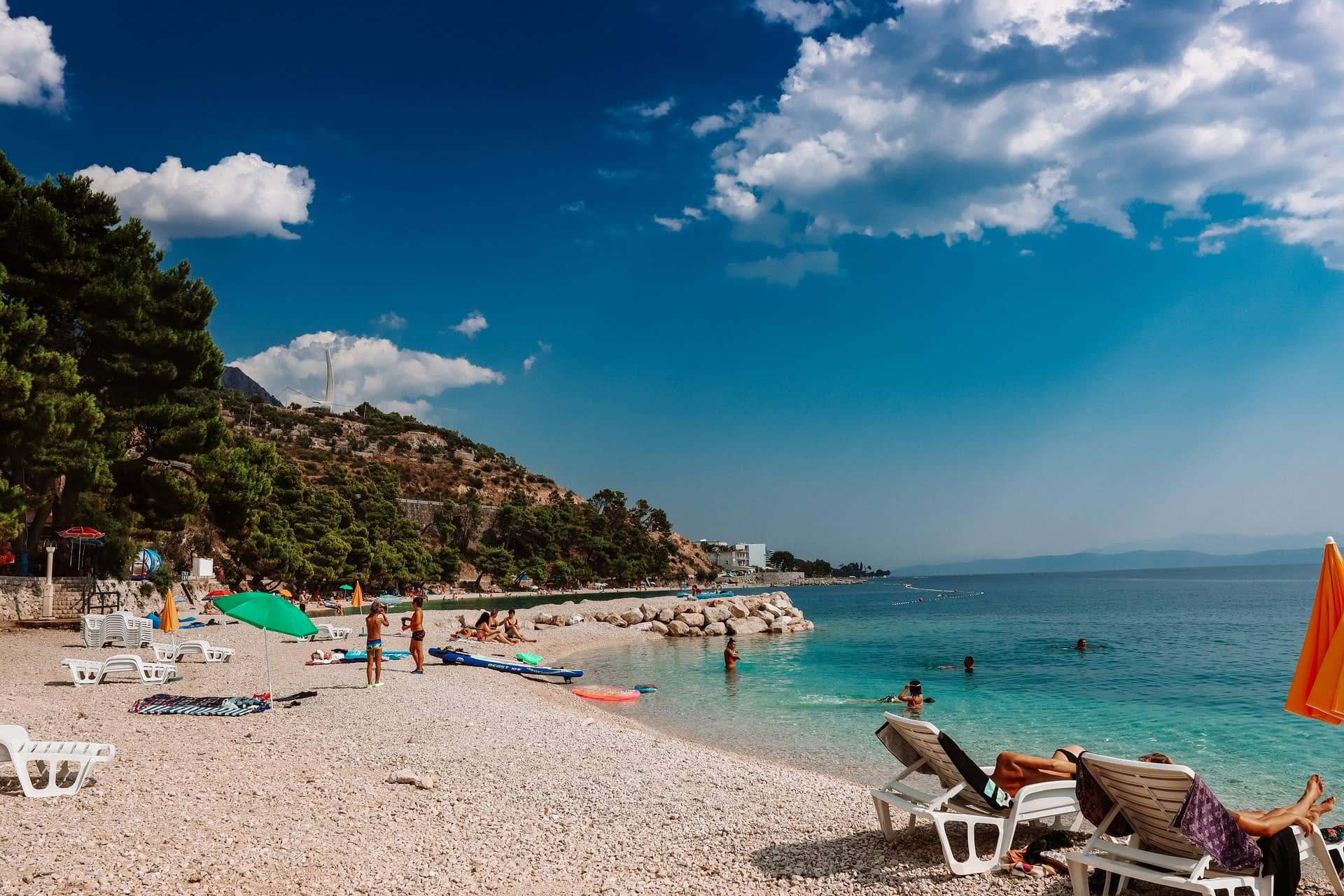 Garma bay with turquoise water. Things to do in the Croatian Riviera