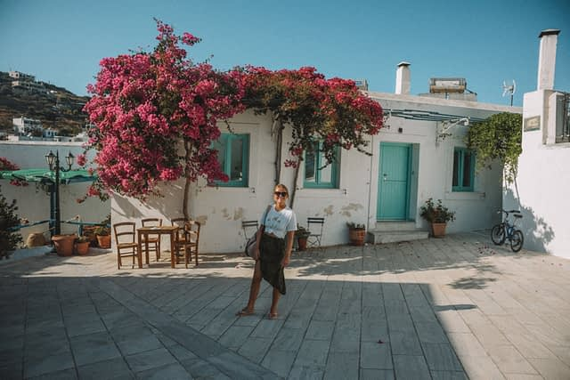 Lefkes village house and flowers. Things to do in Paros