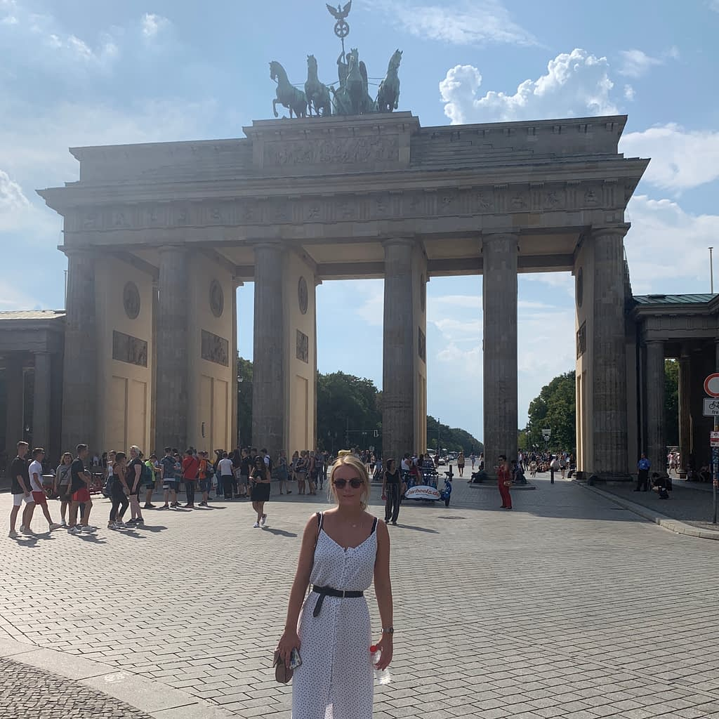 A woman stood in front of Brandeburg gate