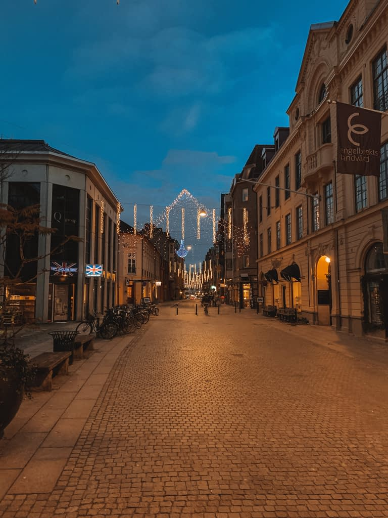 Malmo city centre at night - A day in malmo