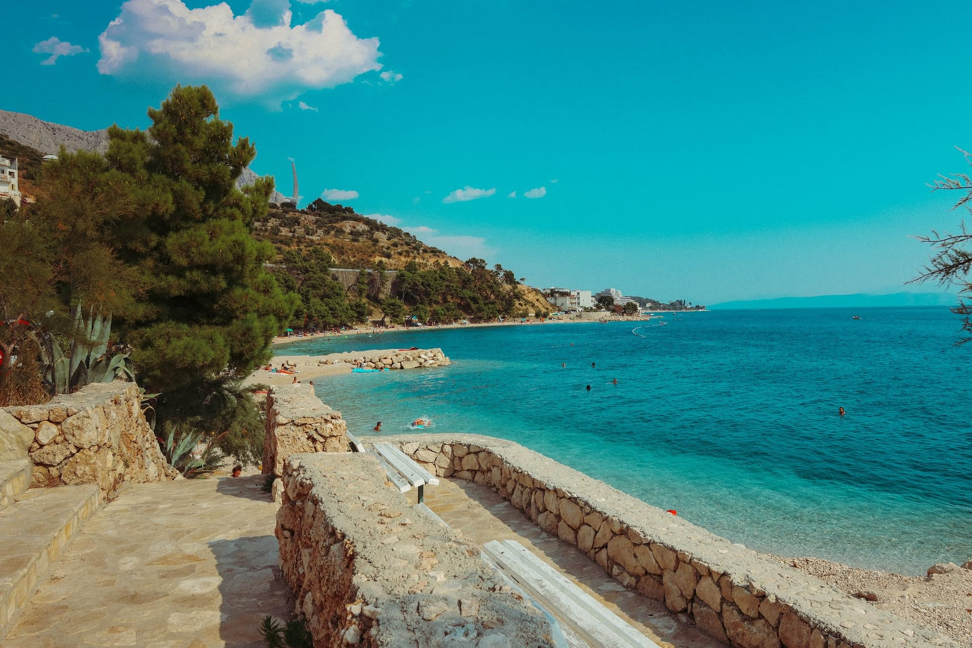 Podgora beach with azure waters. Your guide to the Croatian Riviera