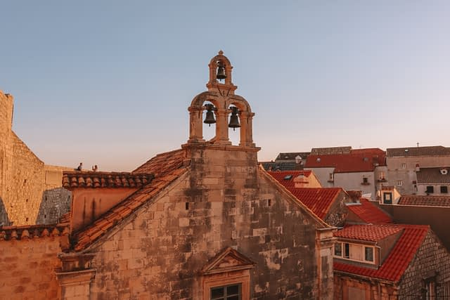 A picture of the bell tower in Dubrovnik old town