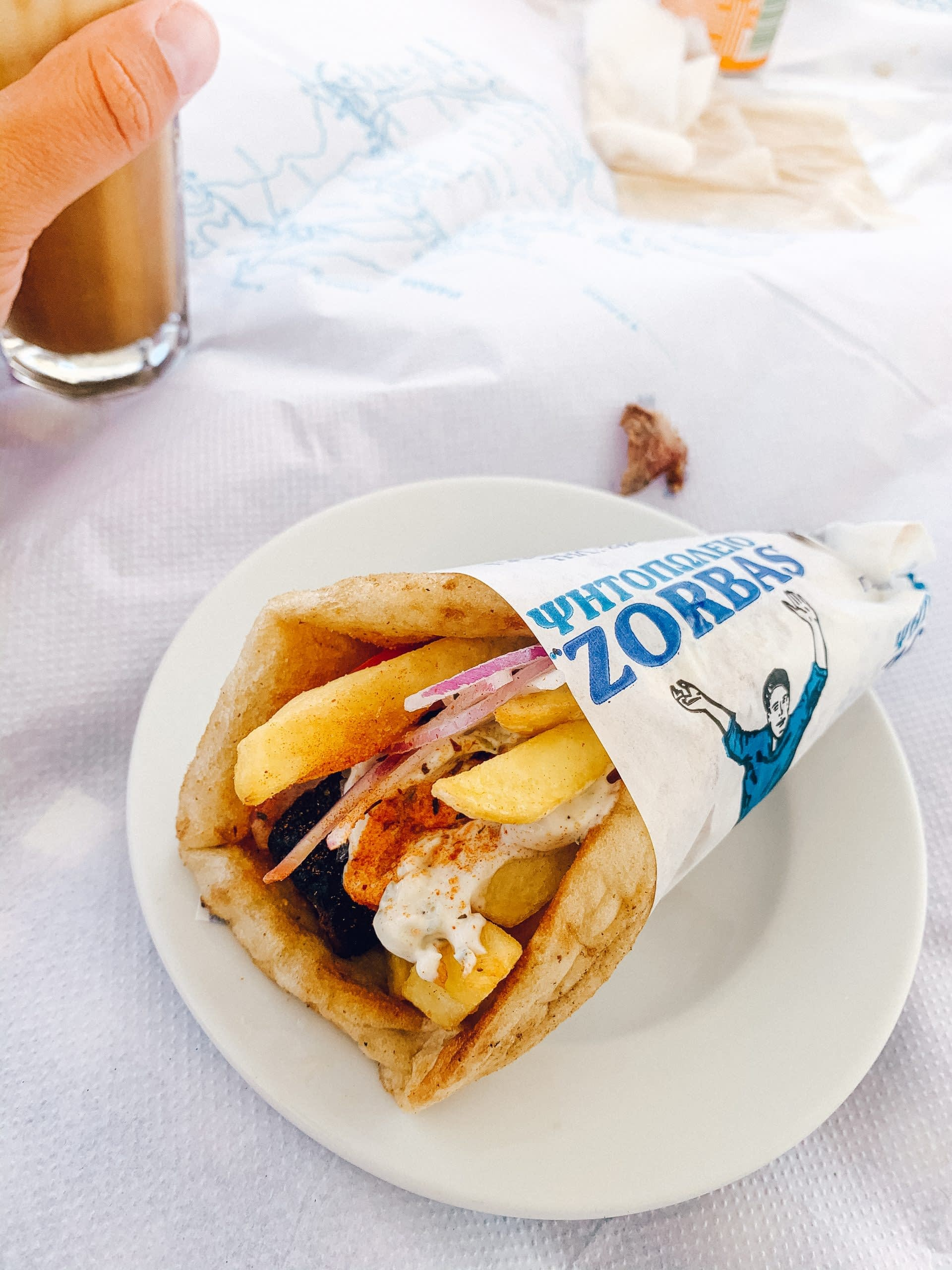 Where to eat in Naoussa. A chicken pitta gyros